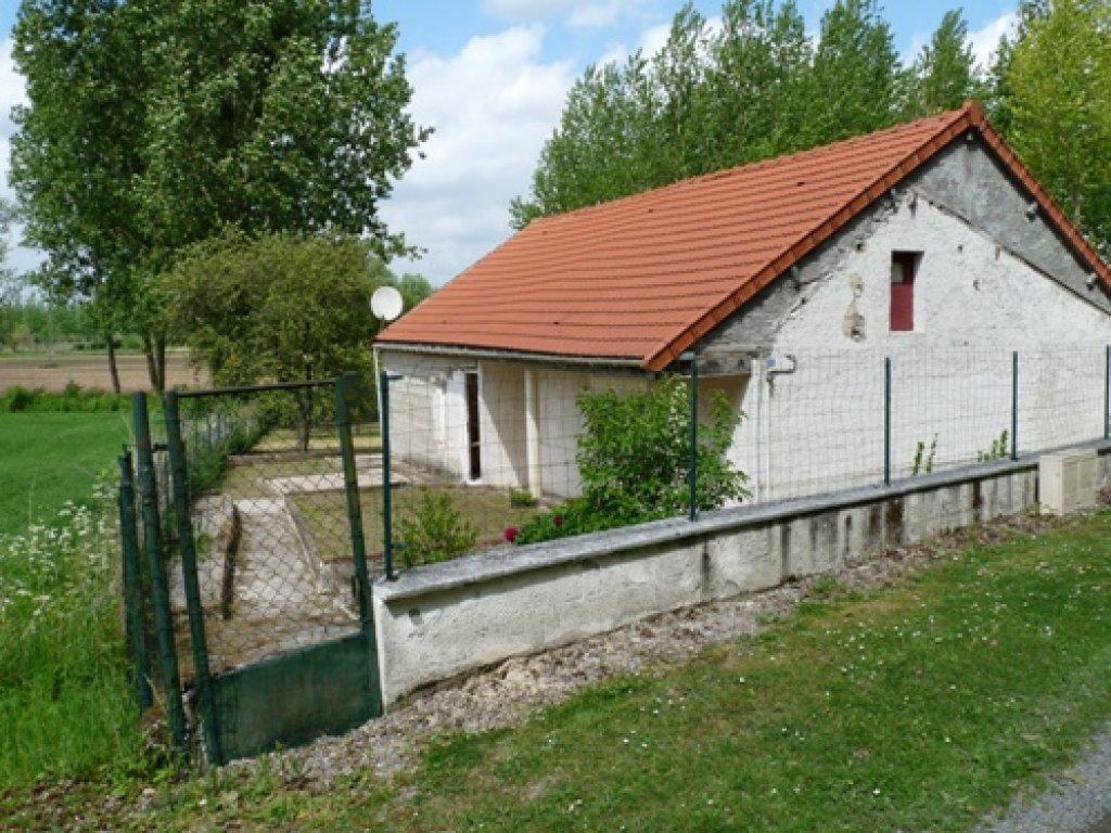 Maison courbes achat vente acheter une maison courbes for Achat d un maison